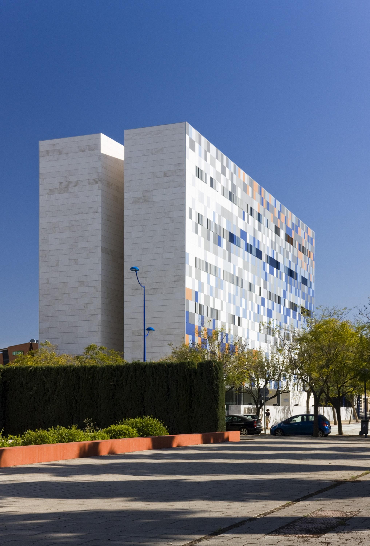 Alquiler de oficina de 79 9 m2 con plaza de aparcamiento for Alquiler de aparcamiento